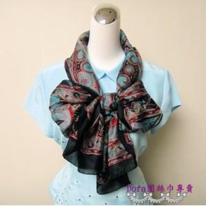 S102-黑色圖騰絲巾