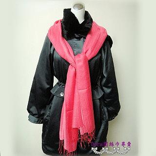S108-亮粉色素面圍巾