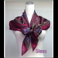 S020紫紅色圖紋絲巾