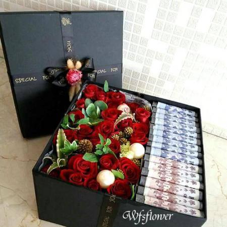 Q025幸福花禮愛你久久花禮盒台南網路花店(商品中的鈔票自備)