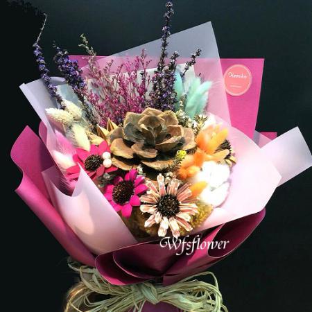 J012珍貴獨特乾燥花花束台南市花店萬花鄉花坊