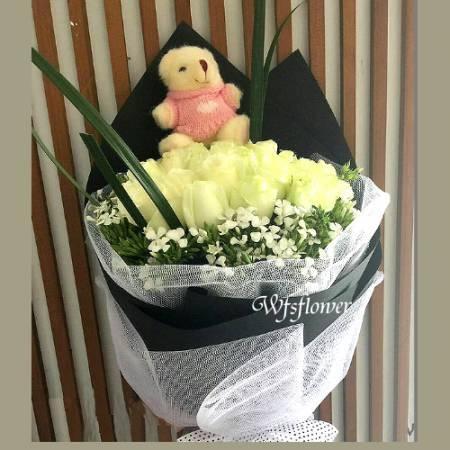 F129祝福來了白玫瑰花束店長推薦台南花店