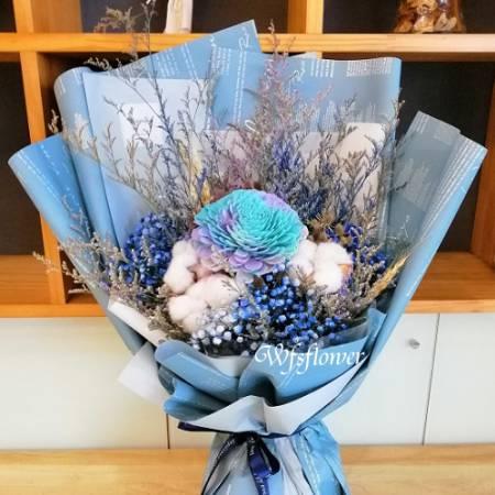J027玫瑰永生花加乾燥花台南代客送花台南市推廌花店