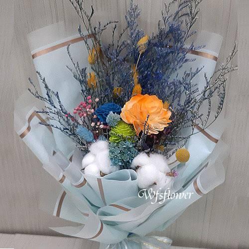 J050玫瑰永生花+乾燥花花束台南代客送花