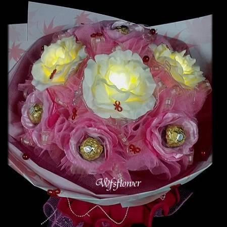 C050你是我的亮點西洋情人節~LED玫瑰花束金莎花束台南市花店