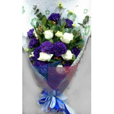 A056紫+白花束