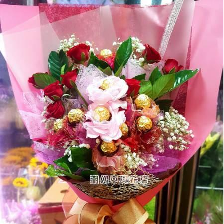 A017歡喜自在傳情花束玫瑰金莎生日花束