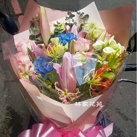 A015多采多姿傳情花束演奏會花束生日節日花束