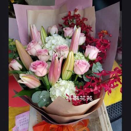 A022真誠的友誼演唱會獻花花束情人節傳情花束