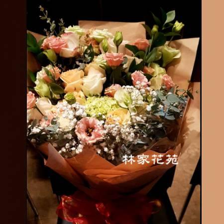 A036傳情花束大型花束玫瑰桔梗花束