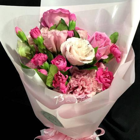 A054因為有你滿滿的愛母親節花束