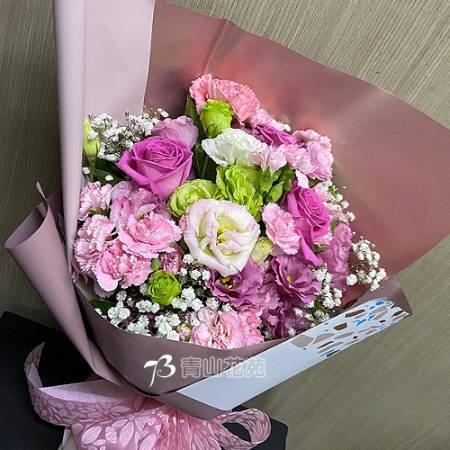 A090馨心相映康乃馨玫瑰花束母親節花束