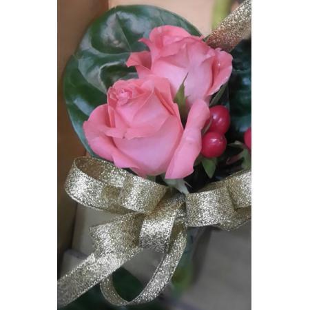 G008胸花-粉玫瑰(2朵)