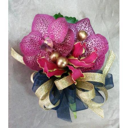 G011胸花-巨輪蘭花(2朵)
